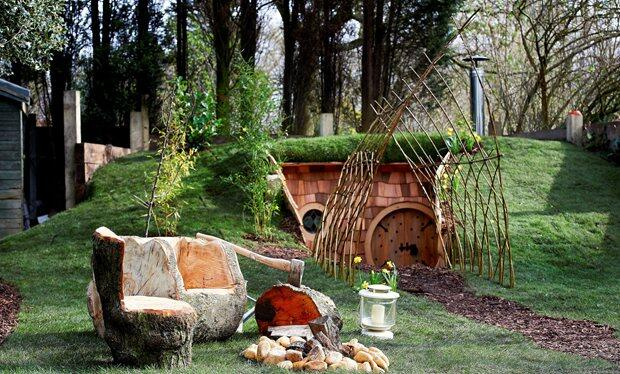 Hobbit style hideaway george clarke 39 s amazing spaces glossy glamping - The subterranean house fighting small spaces ...